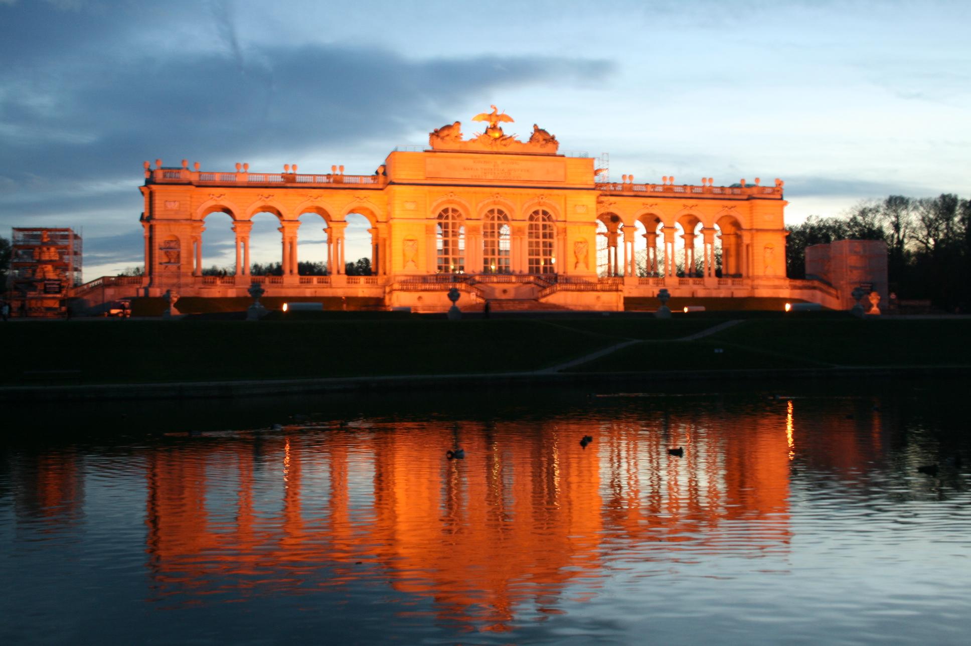 Gloriette - monument pentru victoria asupra germanilor