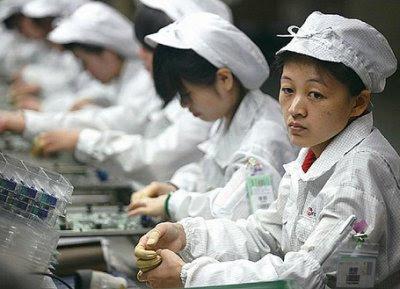 Produsele Apple facute de muncitori in China
